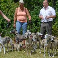 alle zusammen Sarah mit Gwenni und Avos, Barbara mit Blue, Alec und Gibbs und Christoph mit den drei Damen vom Grill_ Lotte, Camy und Lilly